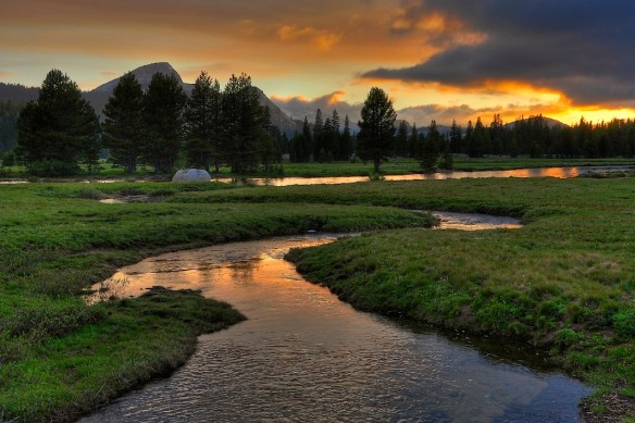 Tuolumne_Meadows_Sunset